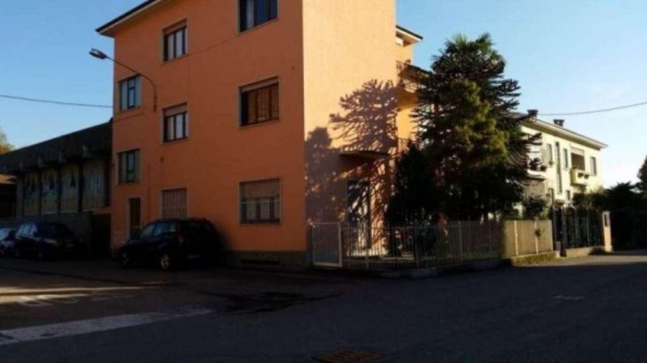 Villa in vendita a Busto Arsizio, 5 locali, prezzo € 210.000 | Cambio Casa.it