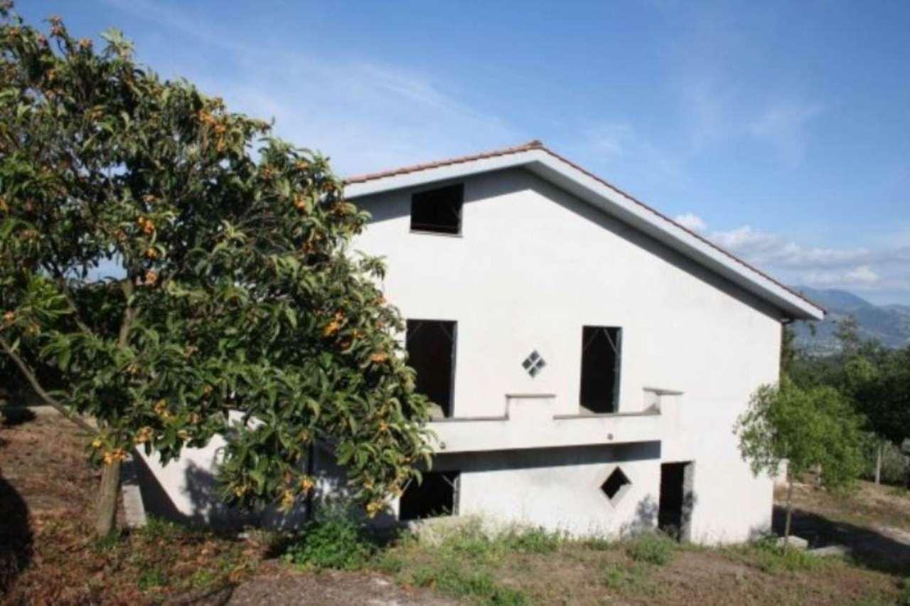 Soluzione Indipendente in vendita a Lariano, 4 locali, prezzo € 99.000 | Cambio Casa.it