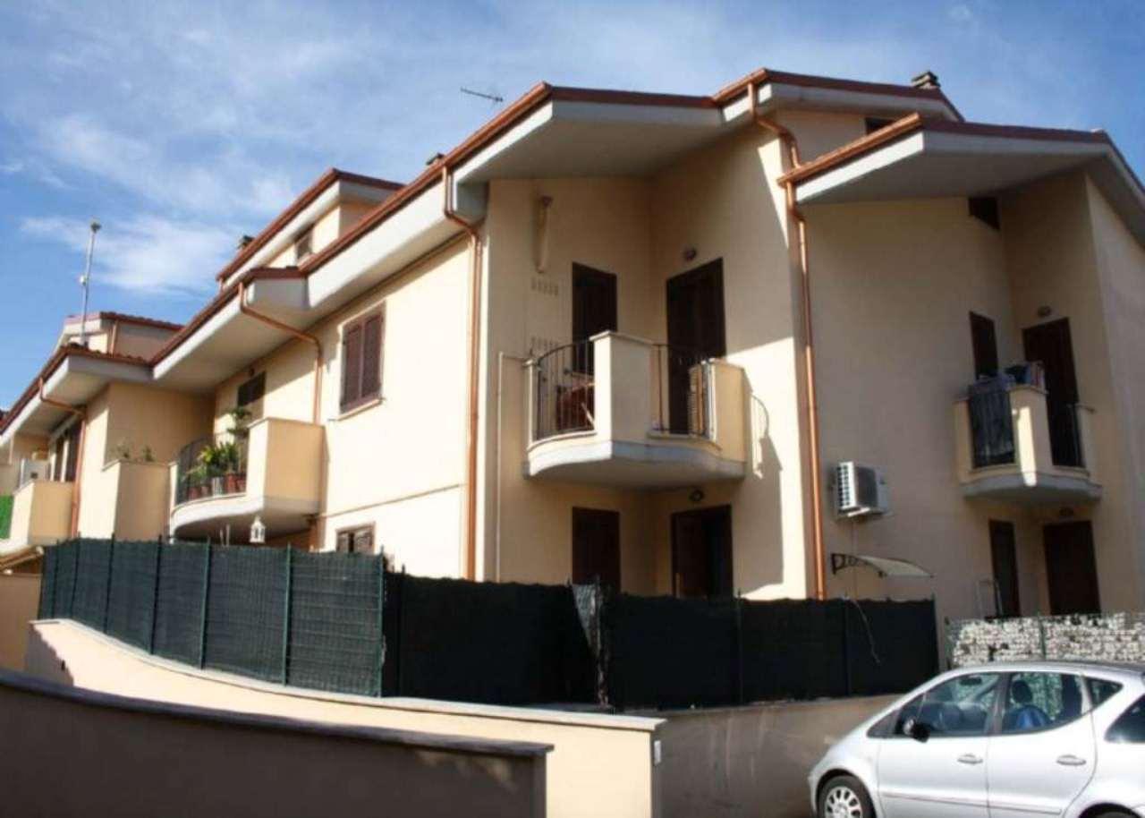 Appartamento in vendita a Lariano, 3 locali, prezzo € 139.000 | Cambio Casa.it