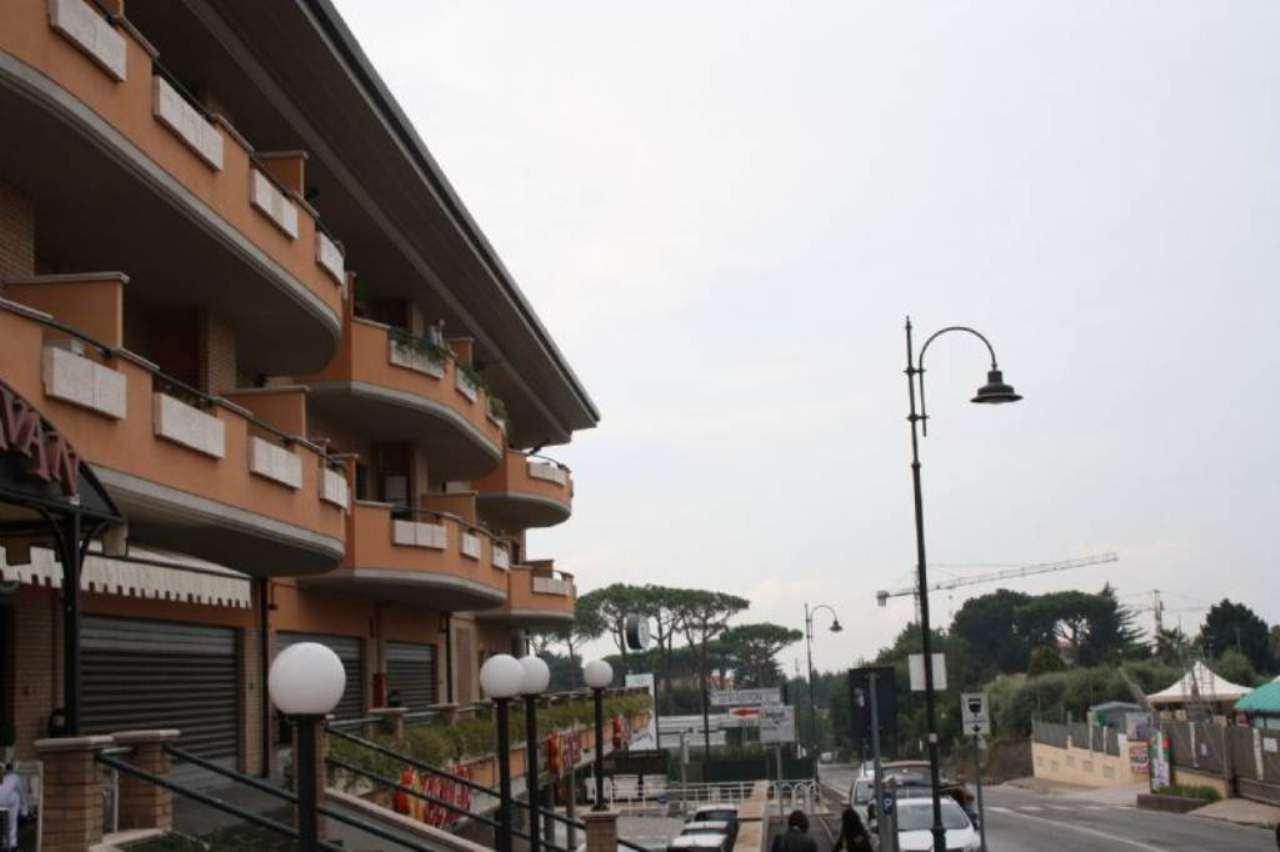 Negozio / Locale in affitto a Lariano, 3 locali, prezzo € 600 | Cambio Casa.it