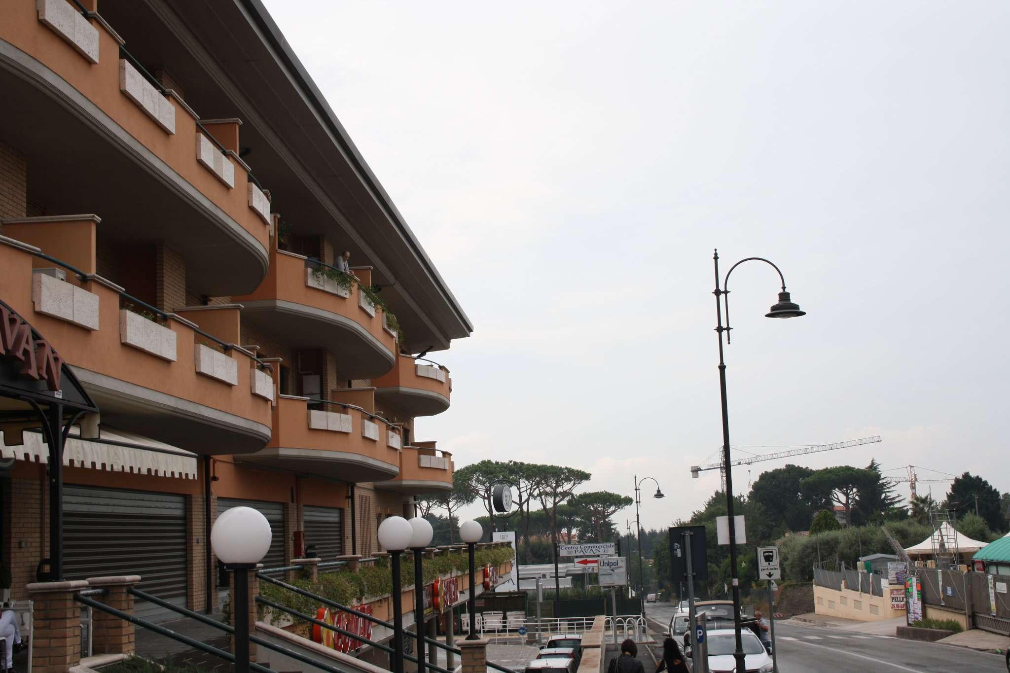 Negozio / Locale in affitto a Lariano, 9999 locali, prezzo € 600 | Cambio Casa.it