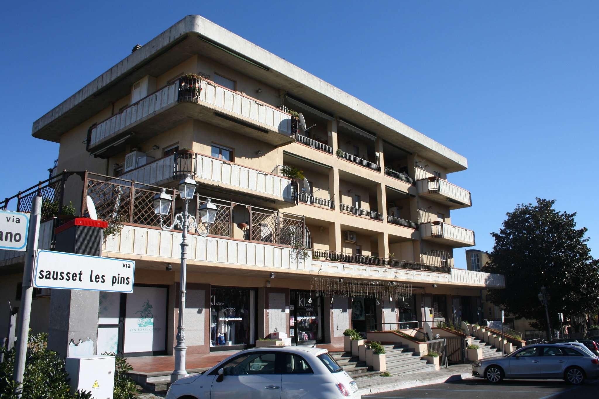 Appartamento in vendita a Lariano, 3 locali, prezzo € 109.000 | CambioCasa.it