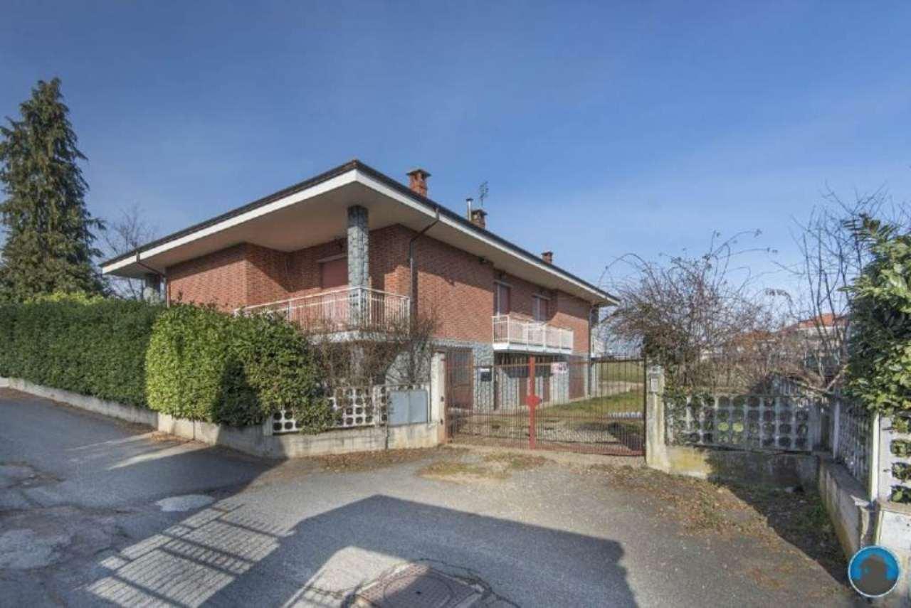 Soluzione Indipendente in vendita a Barge, 10 locali, prezzo € 250.000 | Cambio Casa.it