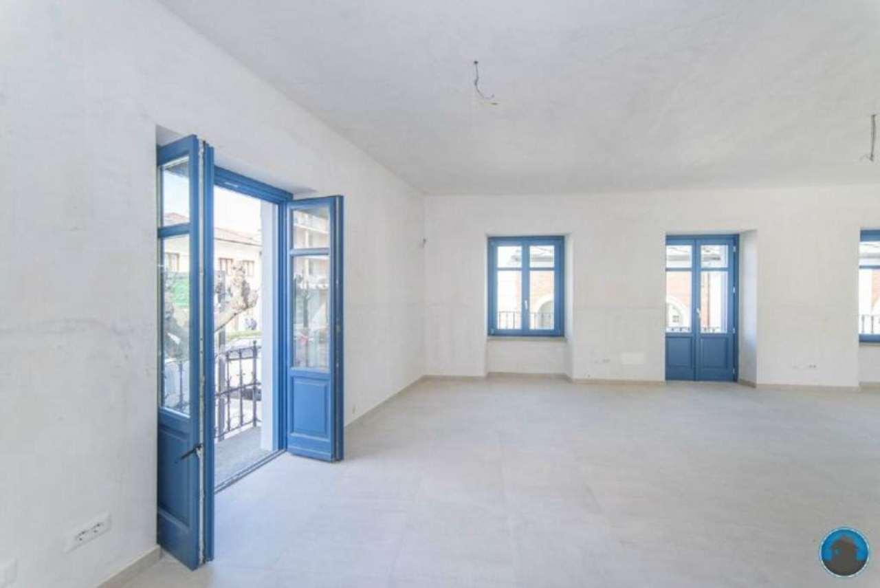 Negozio / Locale in affitto a Barge, 1 locali, prezzo € 450 | Cambio Casa.it