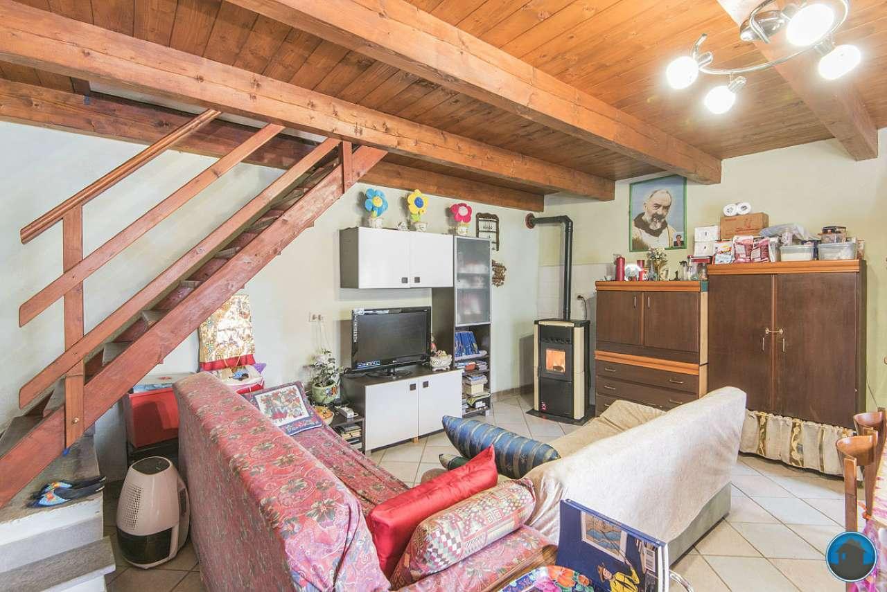 Soluzione Indipendente in vendita a Bagnolo Piemonte, 4 locali, prezzo € 107.000 | Cambio Casa.it
