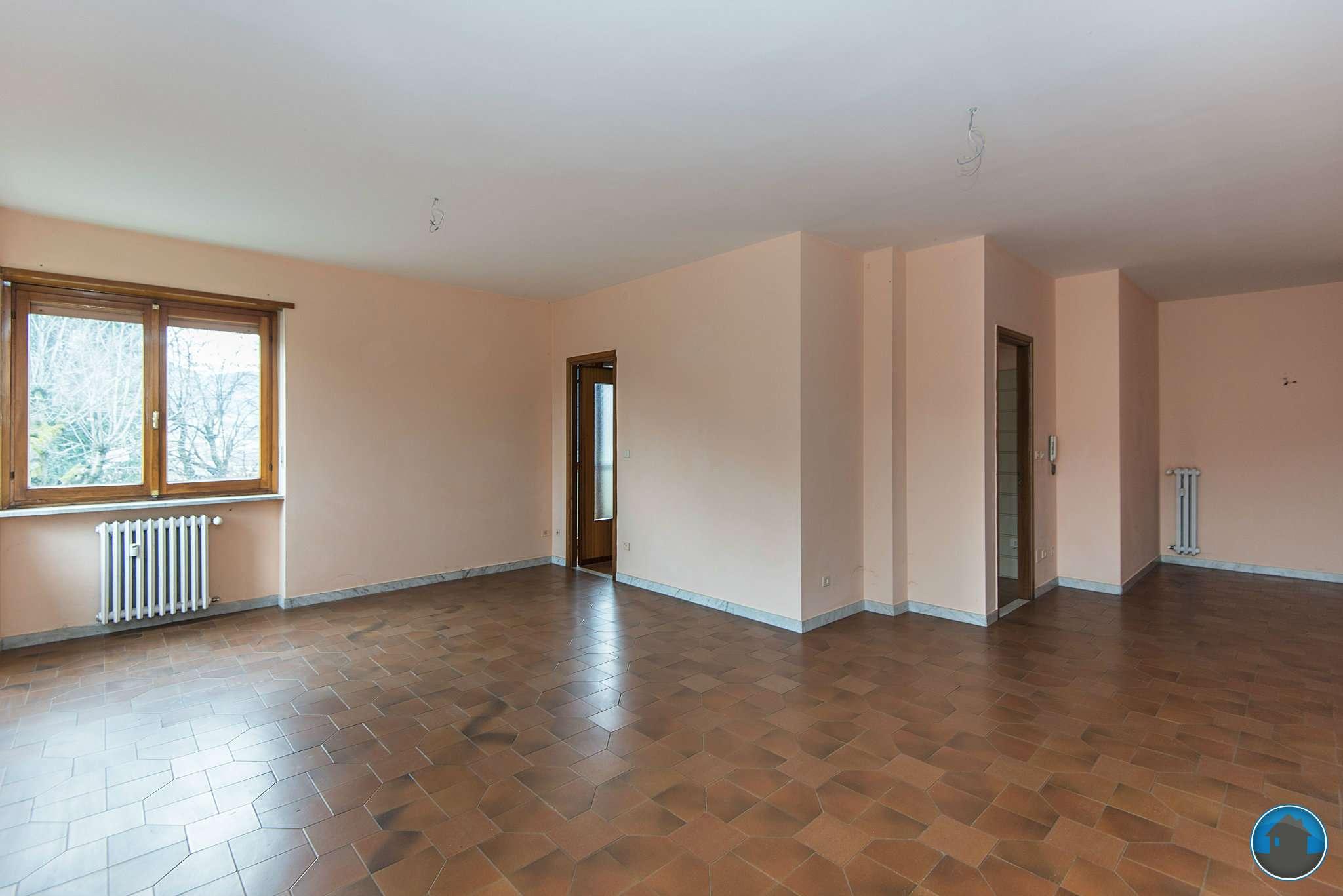 Appartamento in vendita a Barge, 4 locali, prezzo € 137.000 | Cambio Casa.it