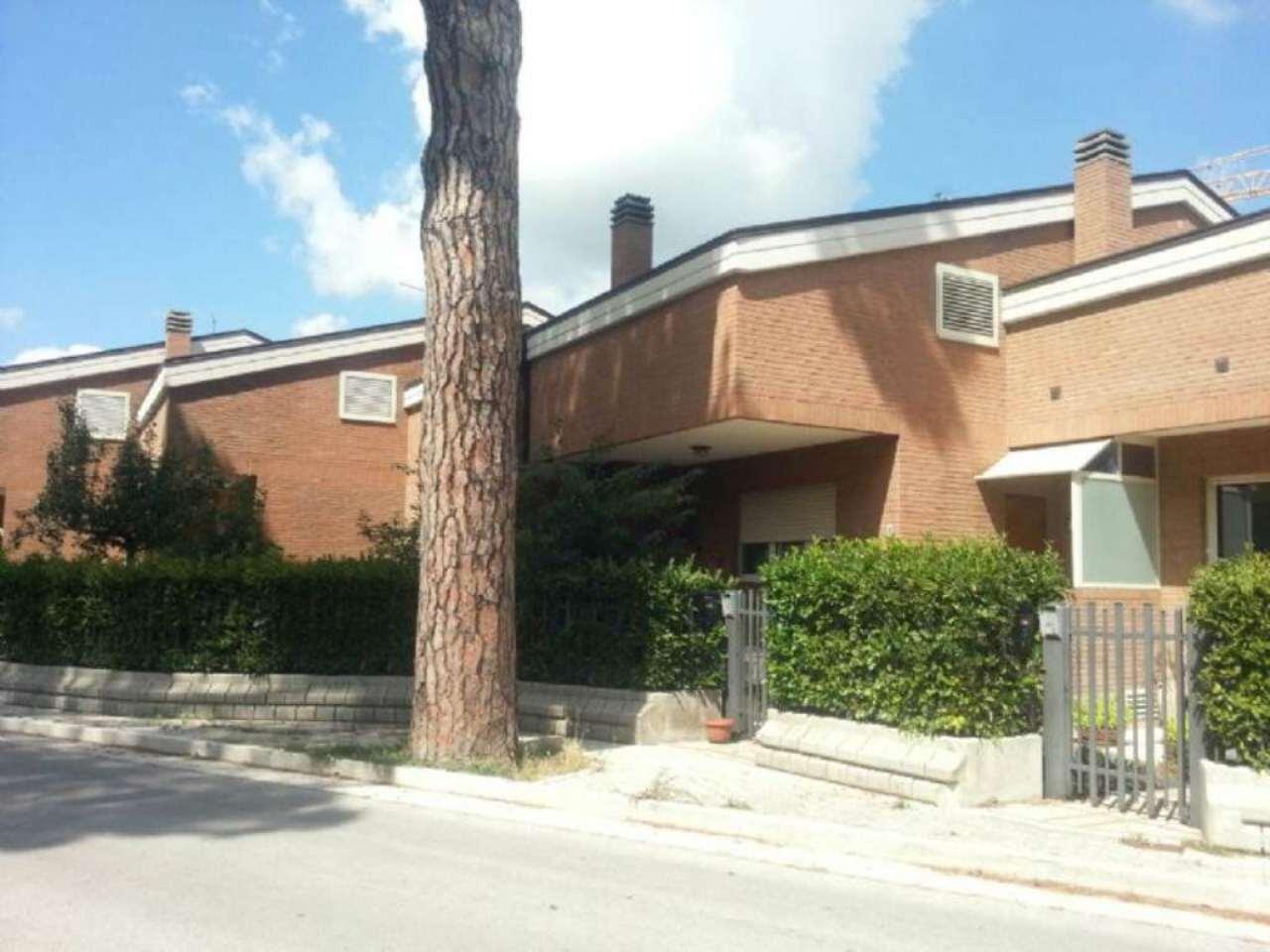 Villa a Schiera in vendita a Campobasso, 7 locali, prezzo € 258.000 | CambioCasa.it