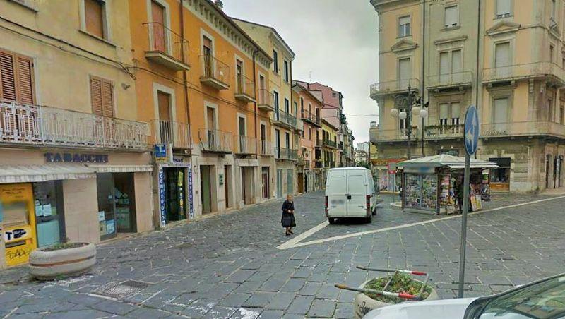 Negozio / Locale in affitto a Campobasso, 1 locali, prezzo € 1.000 | CambioCasa.it