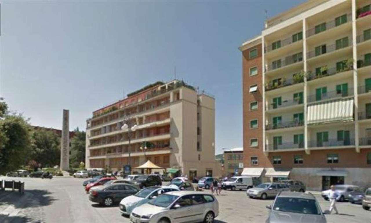 Ufficio / Studio in affitto a Campobasso, 6 locali, prezzo € 850 | CambioCasa.it