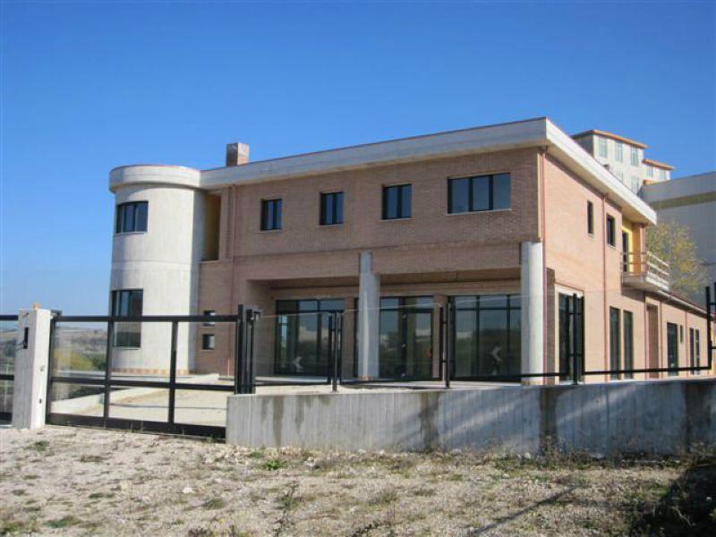Negozio / Locale in affitto a Ripalimosani, 1 locali, prezzo € 3.000 | CambioCasa.it