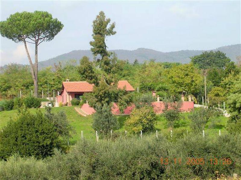Villa in vendita a Velletri, 5 locali, prezzo € 320.000 | CambioCasa.it