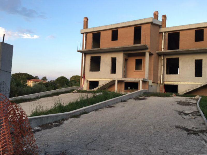 Villa a Schiera in vendita a Campobasso, 9999 locali, Trattative riservate | CambioCasa.it