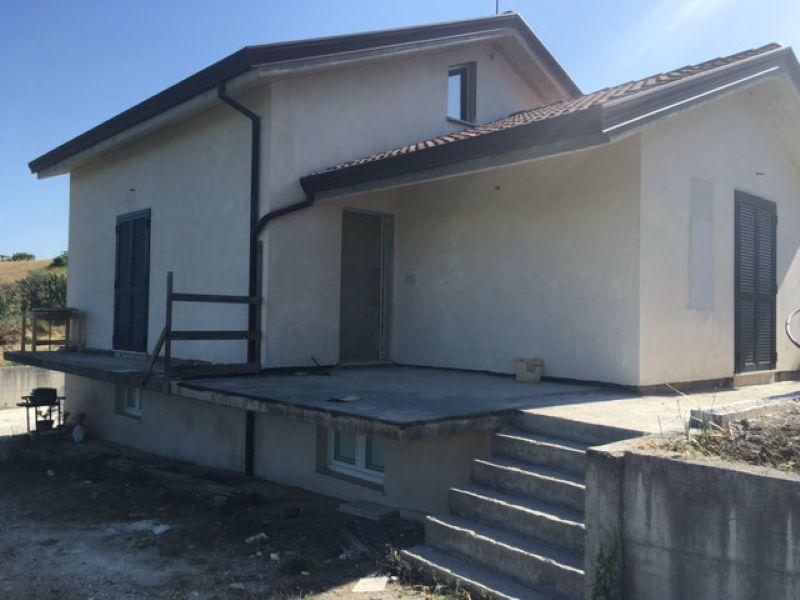 Villa in vendita a Oratino, 9999 locali, prezzo € 150.000   CambioCasa.it