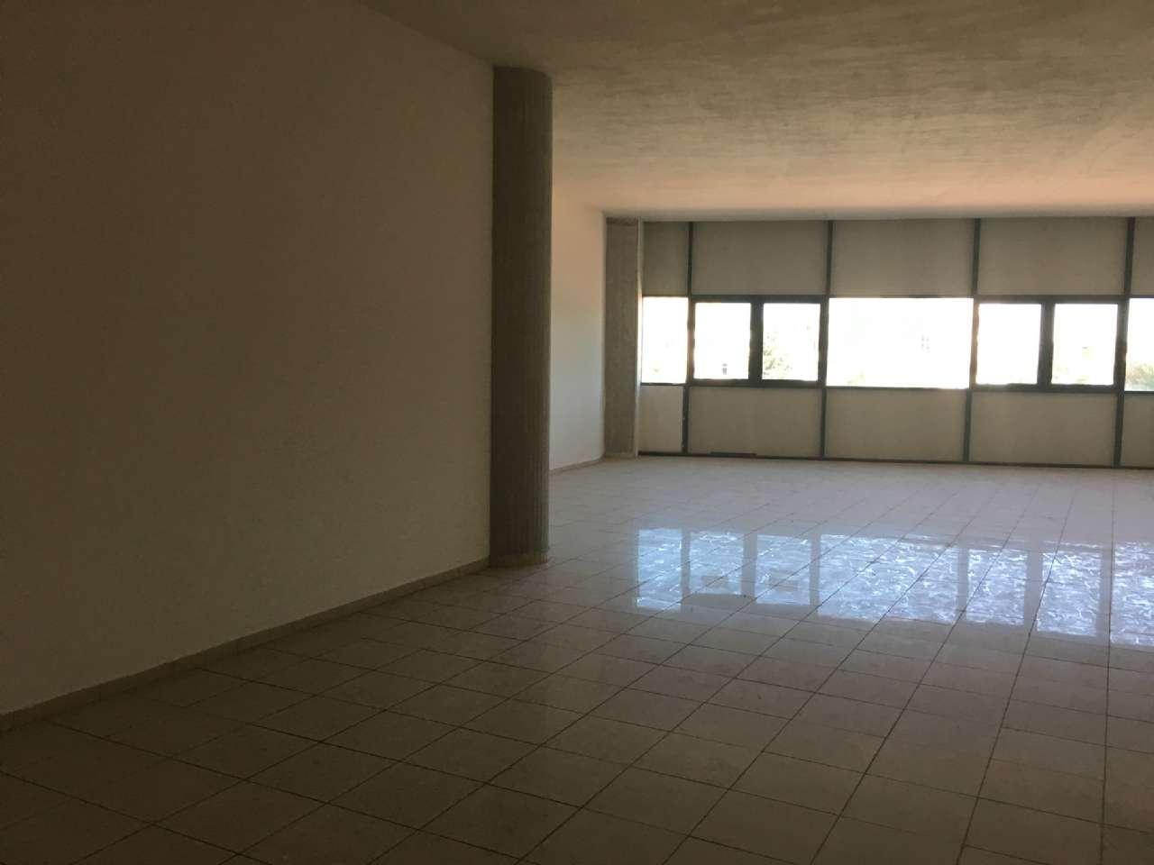 Ufficio / Studio in affitto a Campobasso, 9999 locali, prezzo € 1.000 | CambioCasa.it