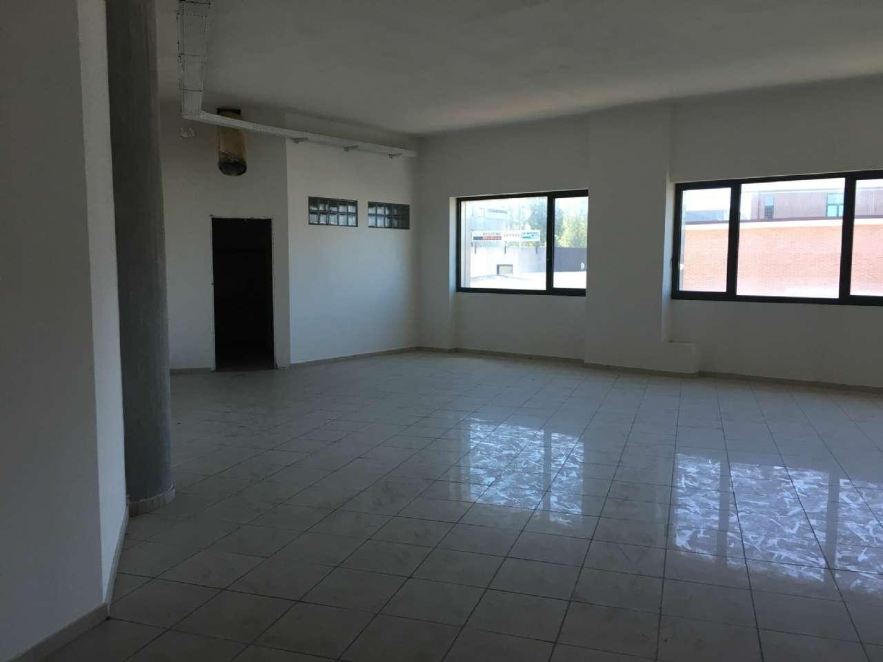 Ufficio / Studio in affitto a Campobasso, 9999 locali, prezzo € 800 | CambioCasa.it