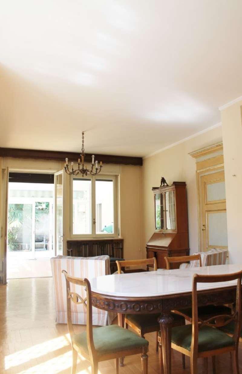 Villa in vendita a Carnago, 15 locali, prezzo € 450.000 | Cambio Casa.it