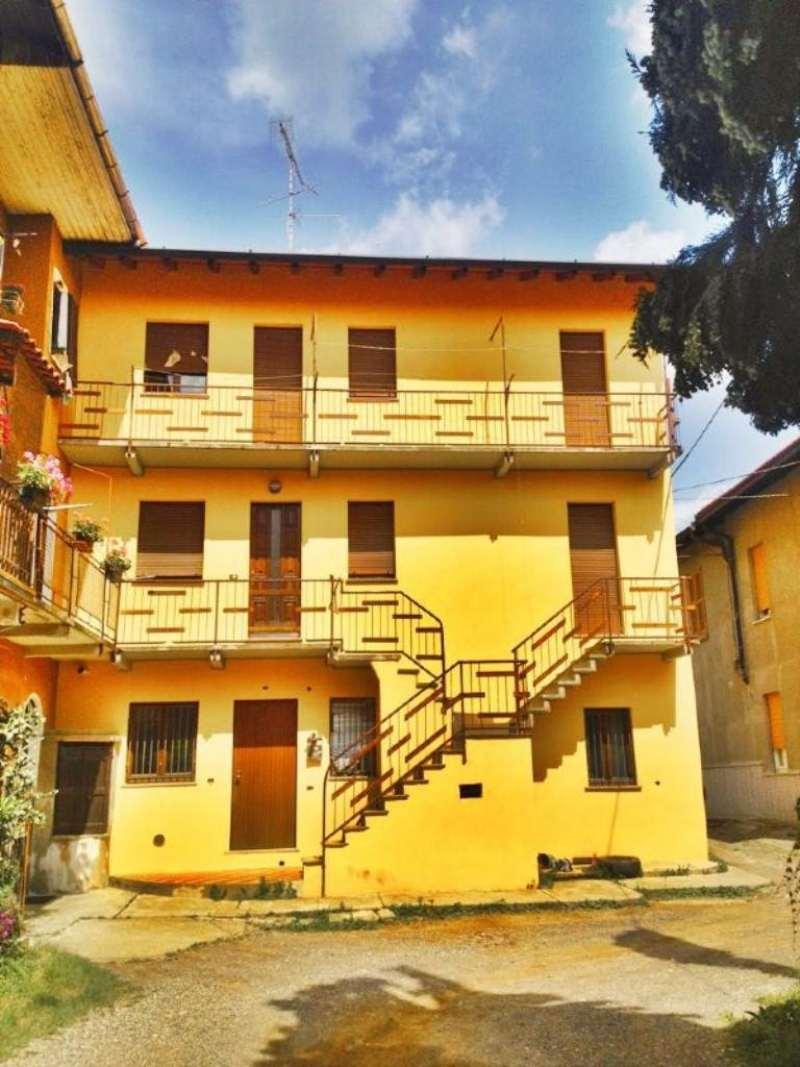 Soluzione Indipendente in vendita a Carnago, 5 locali, prezzo € 150.000 | Cambio Casa.it