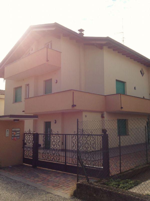 Appartamento in vendita a Oggiona con Santo Stefano, 4 locali, prezzo € 235.000 | Cambio Casa.it