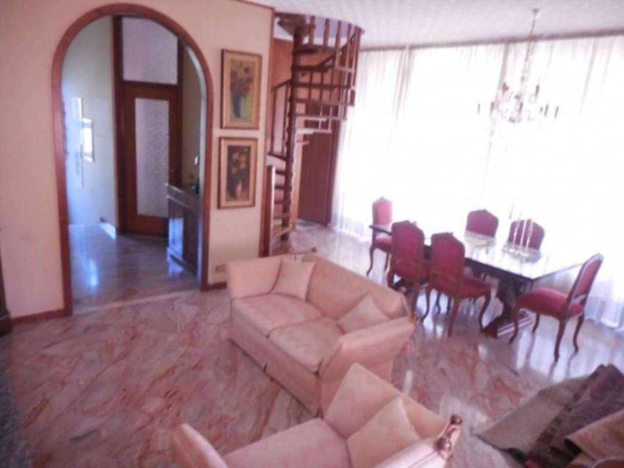 Villa in vendita a Cardano al Campo, 4 locali, prezzo € 270.000 | Cambio Casa.it