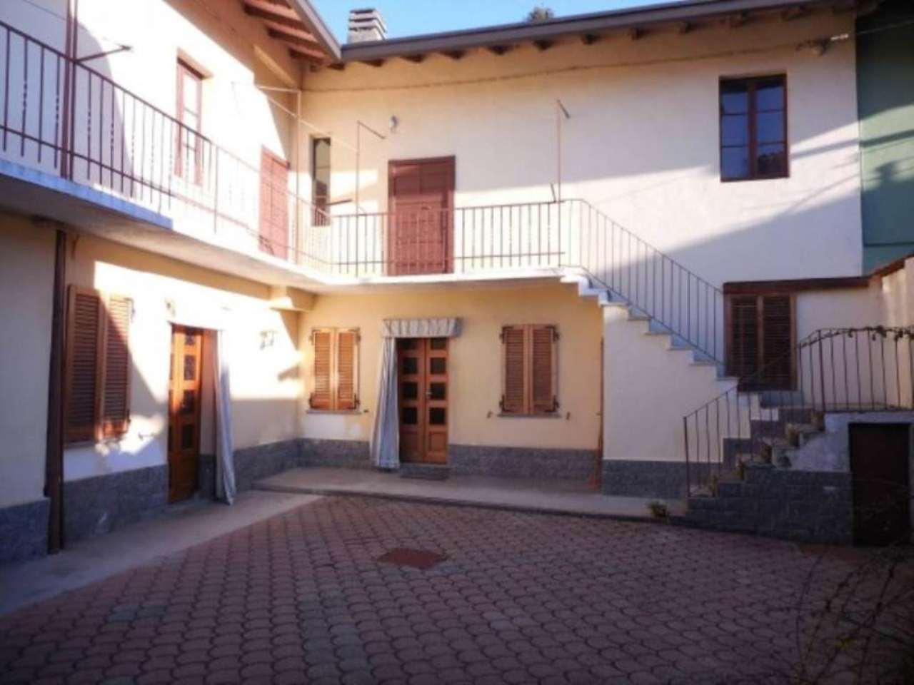 Soluzione Indipendente in vendita a Somma Lombardo, 3 locali, prezzo € 129.000 | Cambio Casa.it