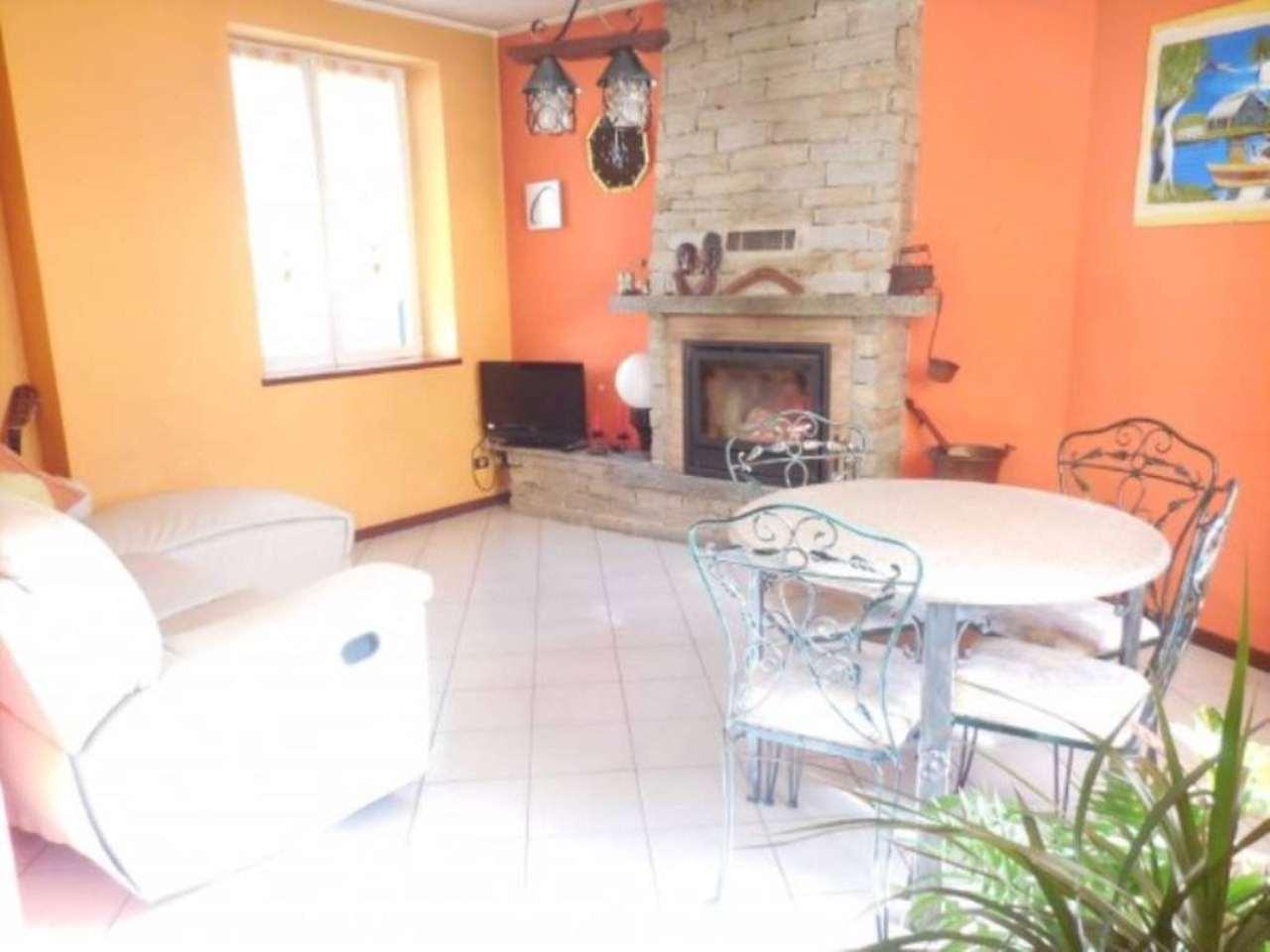 Soluzione Indipendente in vendita a Arsago Seprio, 4 locali, prezzo € 139.000 | Cambio Casa.it