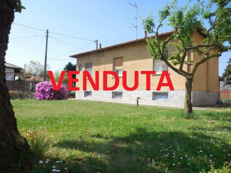 Villa in vendita a Somma Lombardo, 3 locali, prezzo € 179.000 | Cambio Casa.it