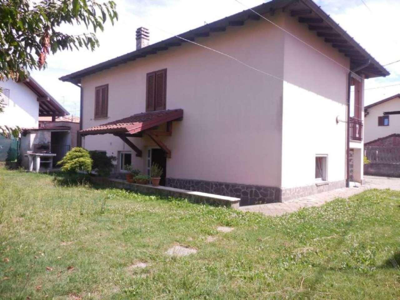 Villa in vendita a Besnate, 4 locali, prezzo € 260.000 | Cambio Casa.it