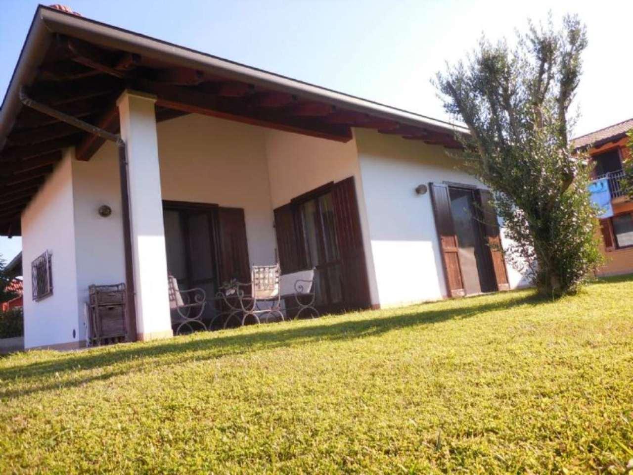 Villa in vendita a Somma Lombardo, 4 locali, prezzo € 239.000 | Cambio Casa.it