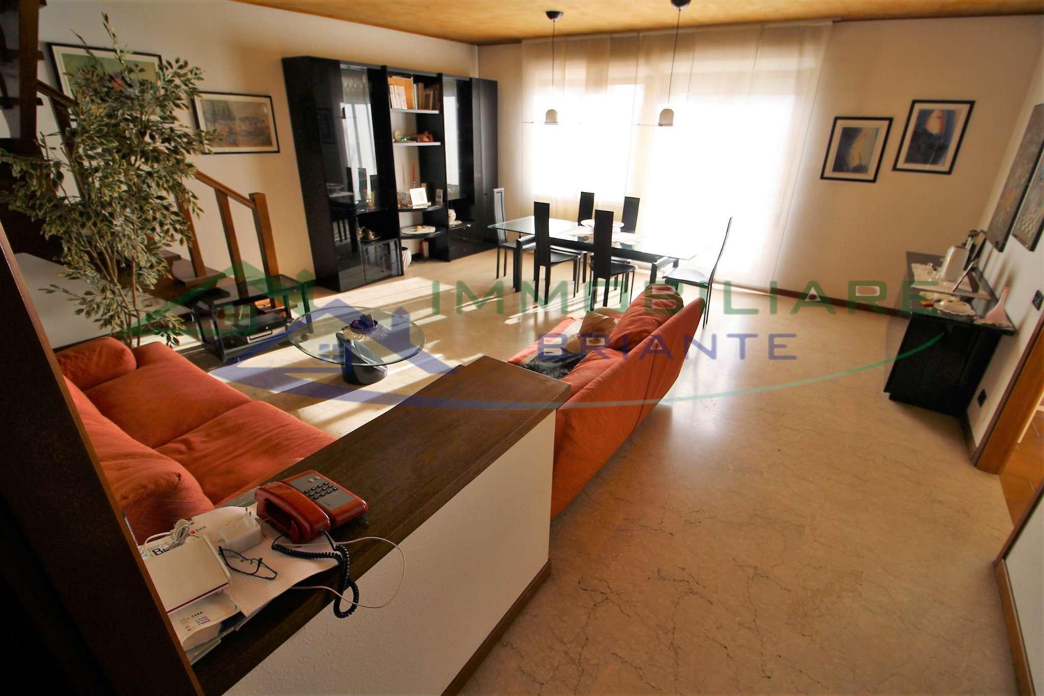 Villa a schiera quadrilocale in vendita a Casorate Sempione (VA)
