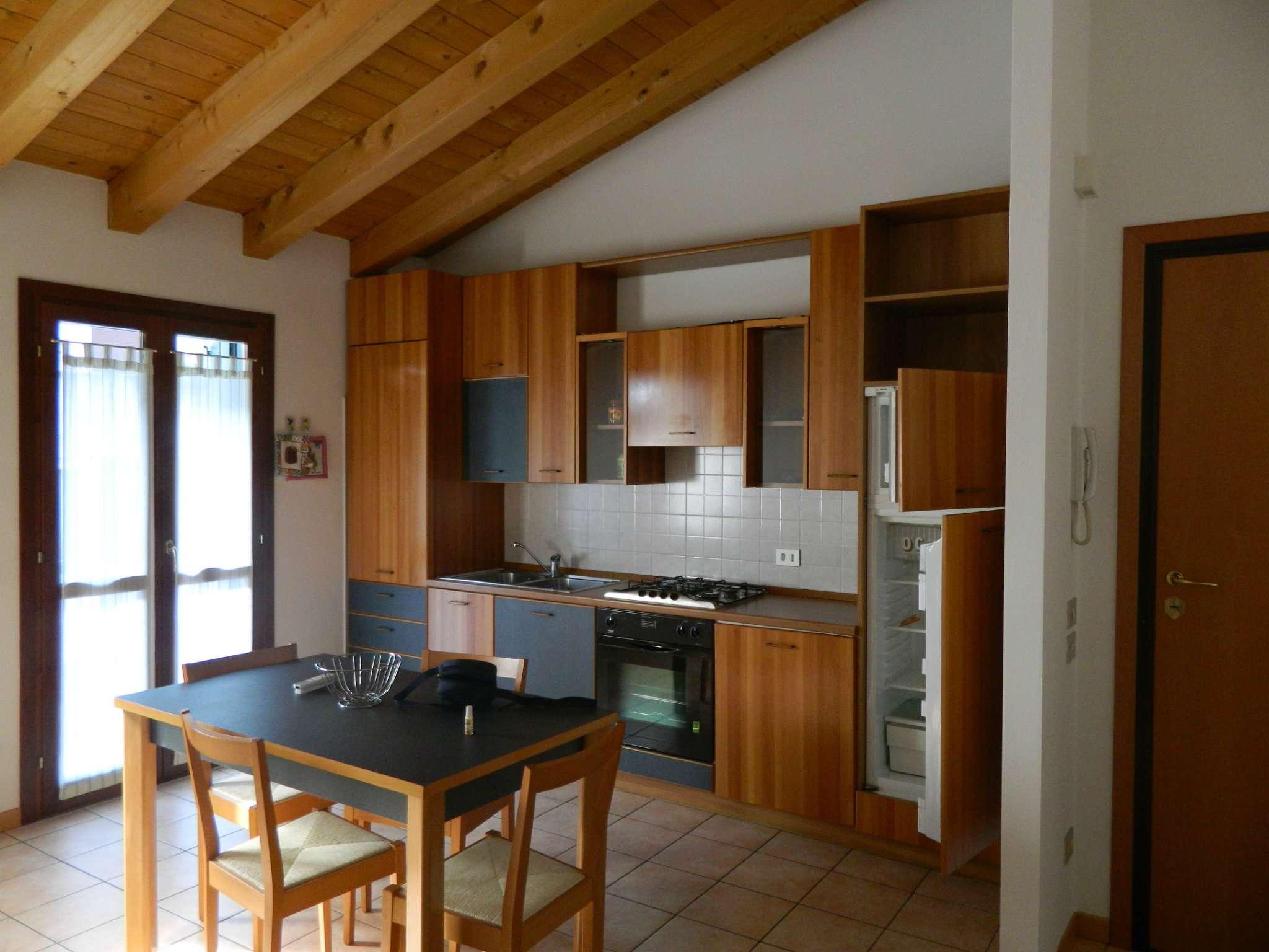 Appartamento in affitto a Maserada sul Piave, 3 locali, prezzo € 400 | Cambio Casa.it
