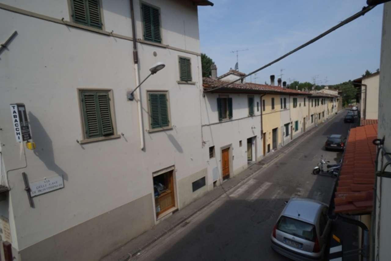 Terratetto - Terracielo in vendita 5 vani 105 mq.  via Cascine del Riccio Firenze