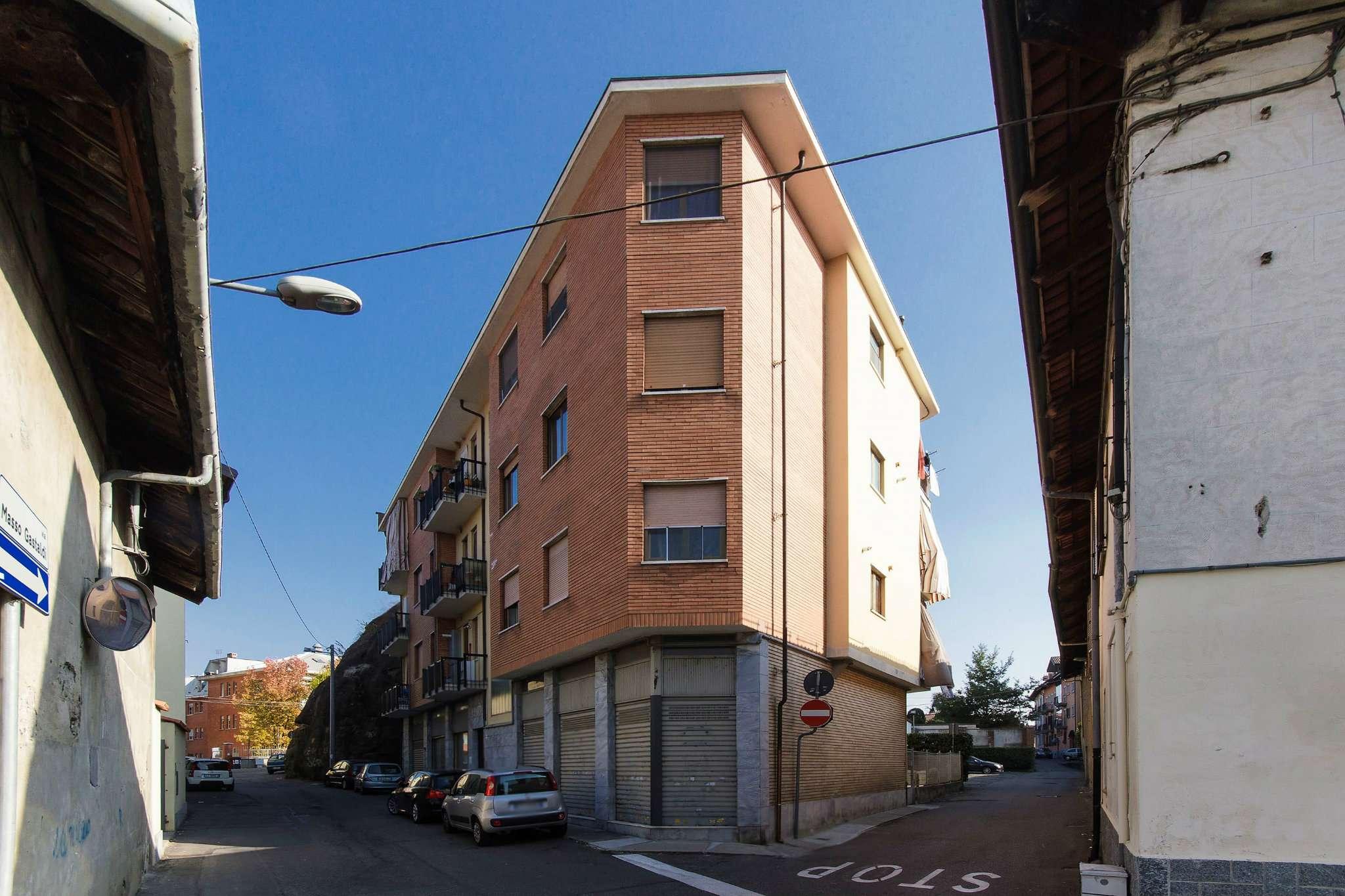 Appartamento in vendita a Pianezza, 4 locali, prezzo € 99.000   CambioCasa.it