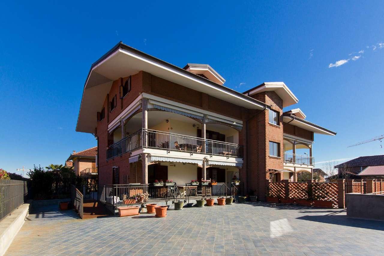 Appartamento in vendita a Pianezza, 4 locali, prezzo € 265.000   CambioCasa.it