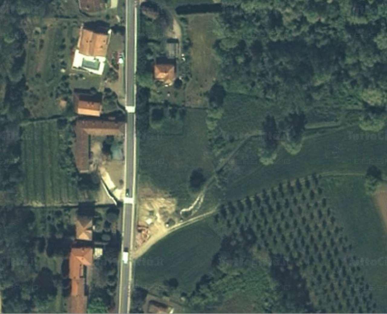 Terreno Edificabile Residenziale in Vendita a Comabbio