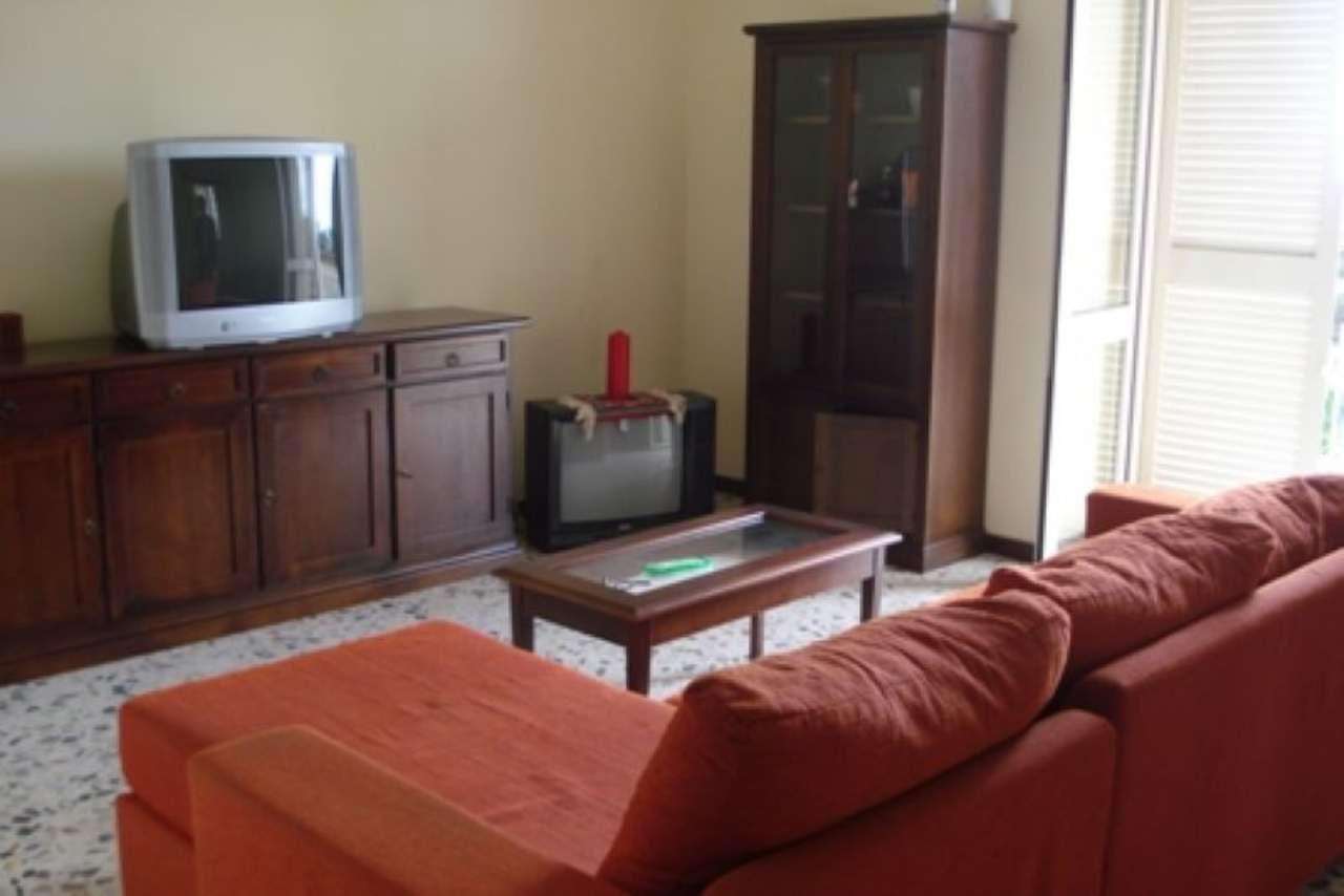 Appartamento in affitto a Pozzuoli, 4 locali, prezzo € 1.000 | Cambio Casa.it