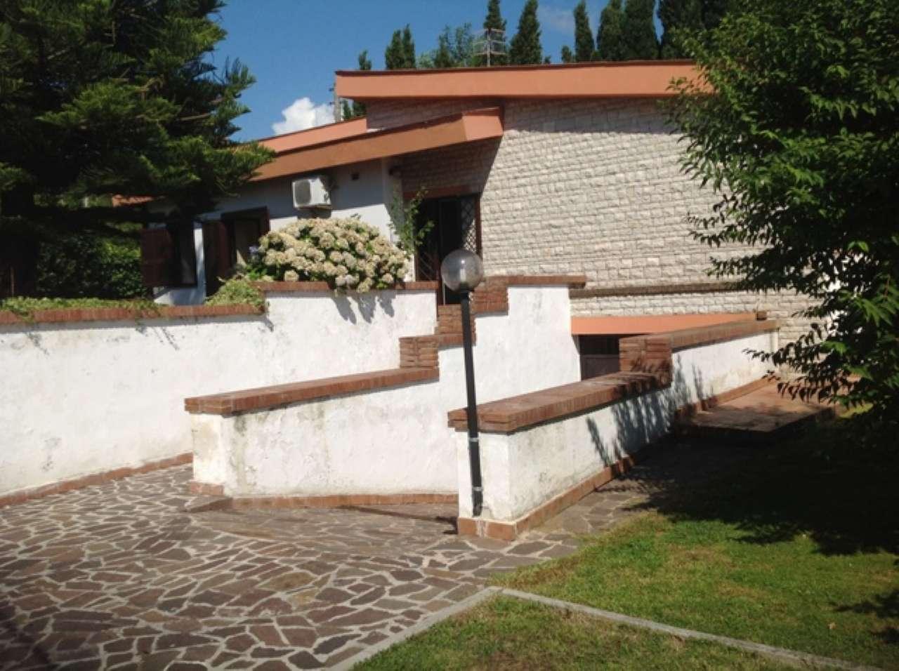 Villa in vendita a Pozzuoli, 6 locali, prezzo € 450.000 | Cambio Casa.it