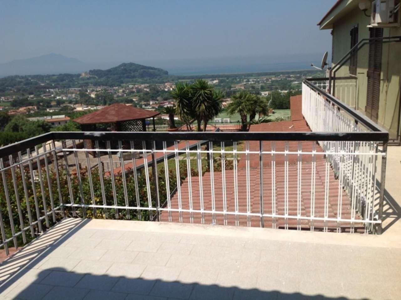 Villa in affitto a Pozzuoli, 6 locali, prezzo € 2.000 | Cambio Casa.it