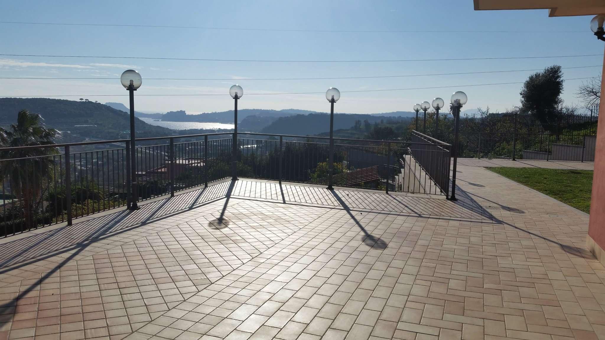 Villa in affitto a Pozzuoli, 3 locali, prezzo € 1.000 | Cambio Casa.it