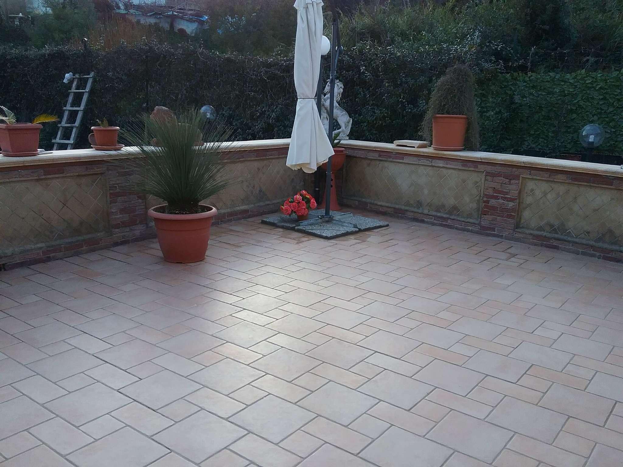 Villa in affitto a Pozzuoli, 4 locali, prezzo € 1.000 | Cambio Casa.it