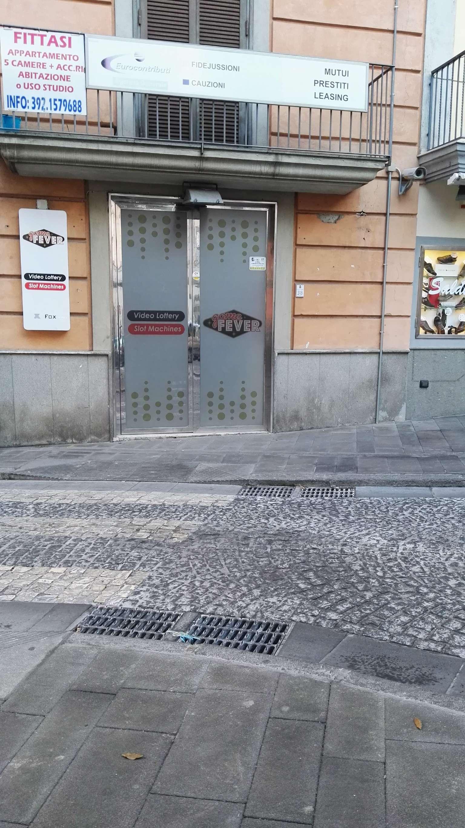 Negozio / Locale in Affitto a Pozzuoli