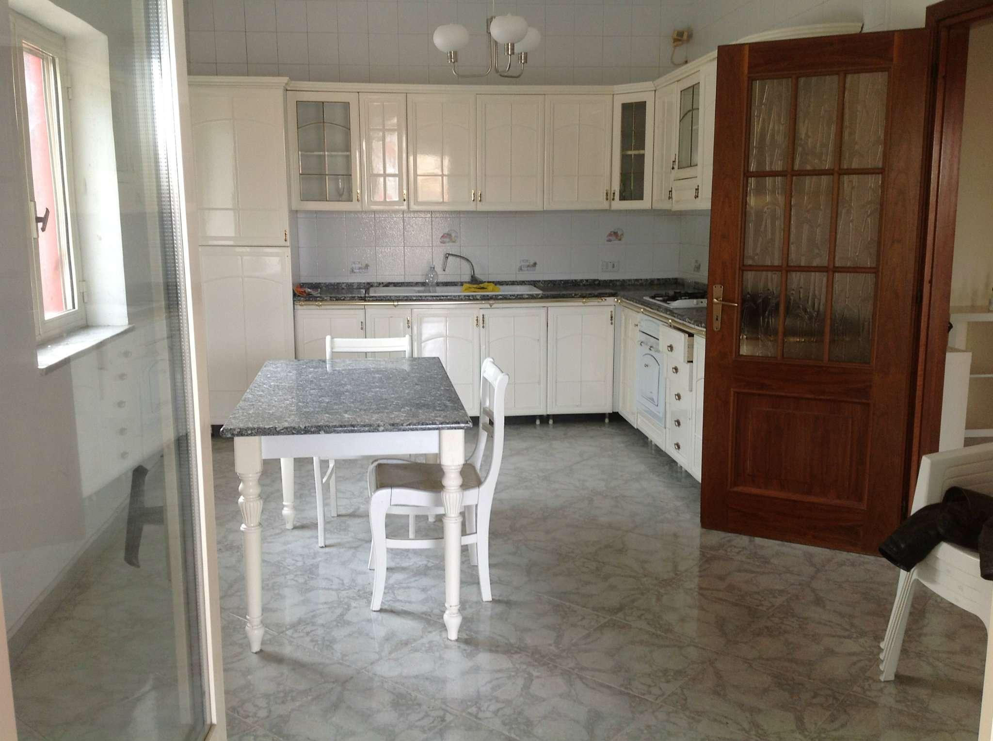 Villa in affitto a Pozzuoli, 3 locali, prezzo € 700 | Cambio Casa.it