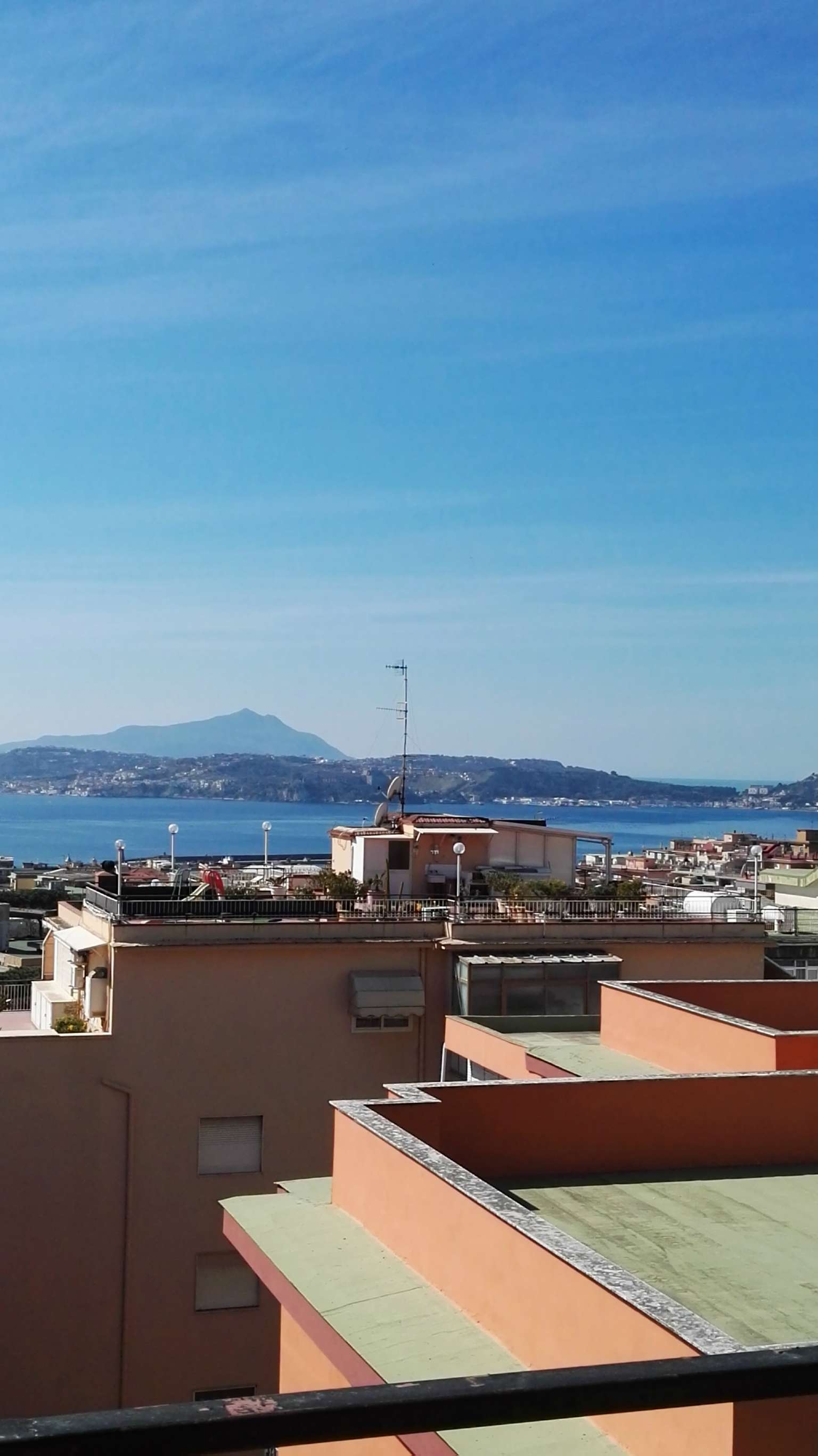 Appartamento in affitto a Pozzuoli, 5 locali, prezzo € 1.600 | Cambio Casa.it