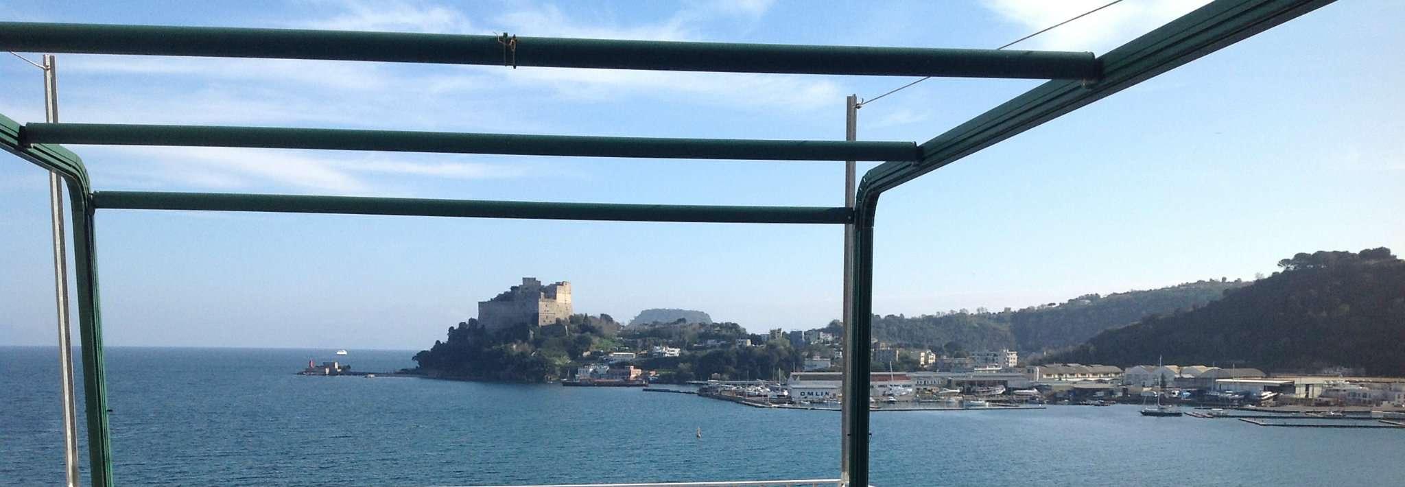 Appartamento in affitto a Bacoli, 2 locali, prezzo € 750   Cambio Casa.it