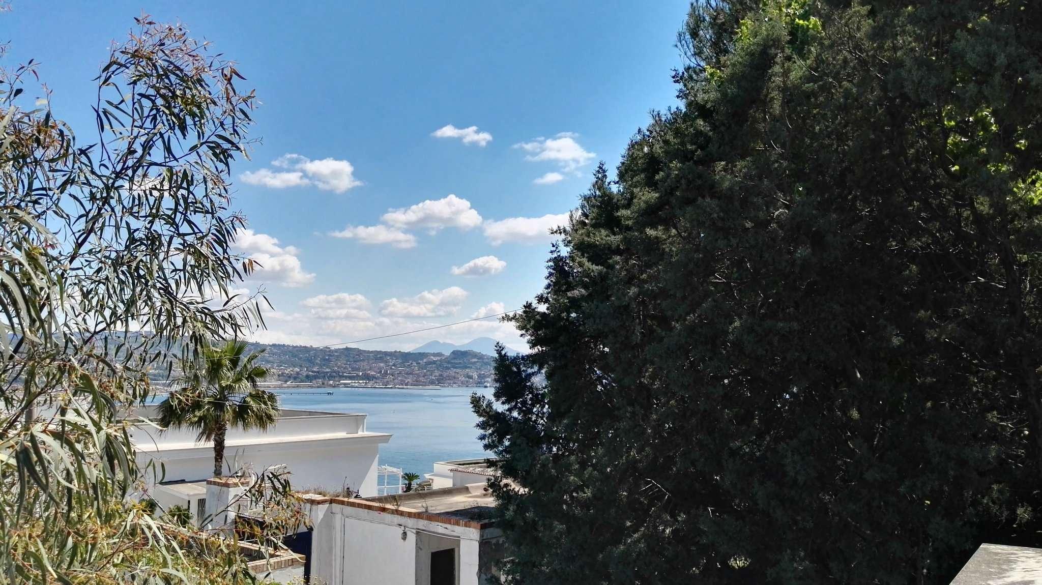 Appartamento in vendita a Bacoli, 6 locali, prezzo € 330.000 | Cambio Casa.it