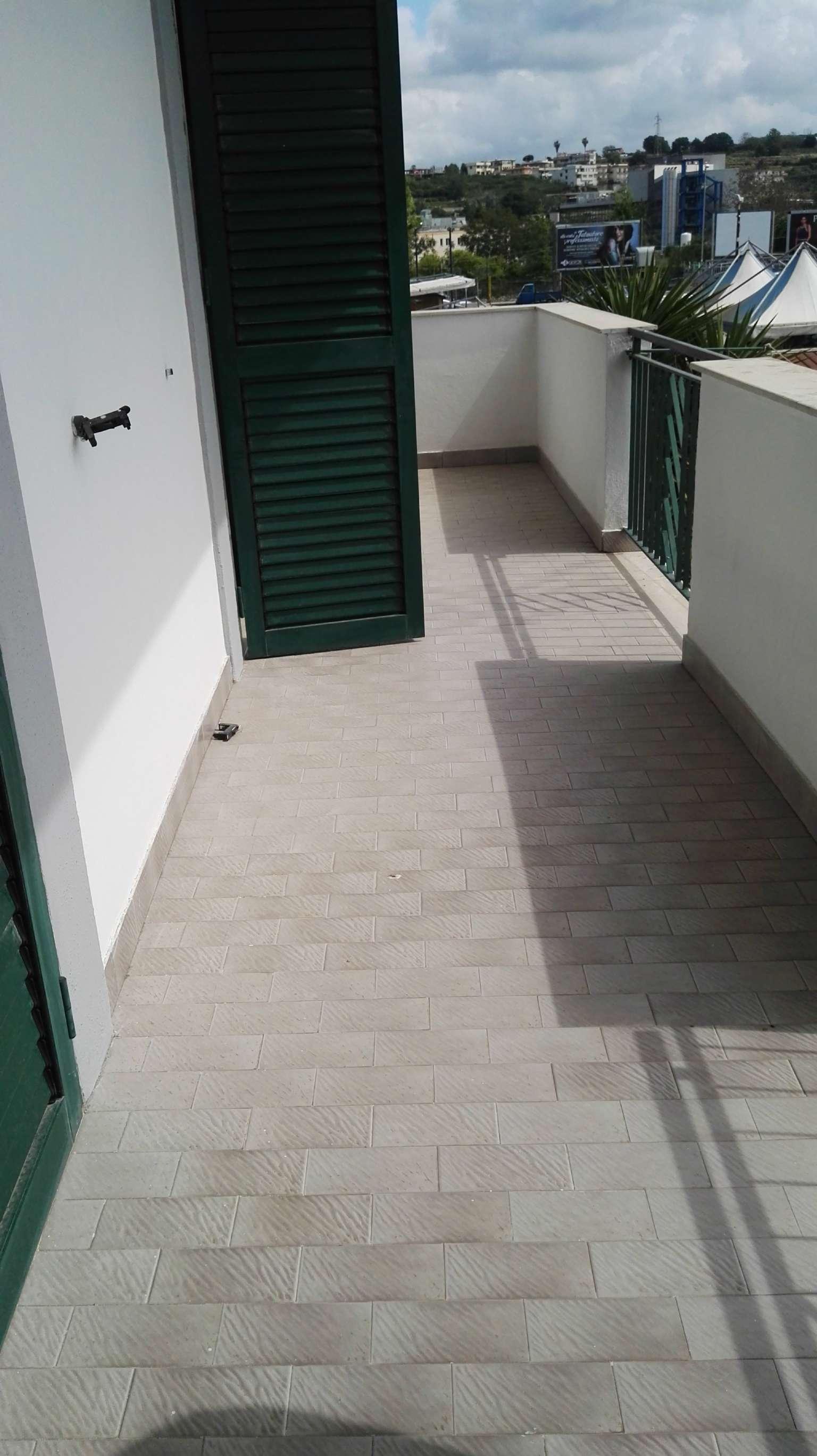 Appartamento in affitto a Pozzuoli, 4 locali, prezzo € 750 | CambioCasa.it