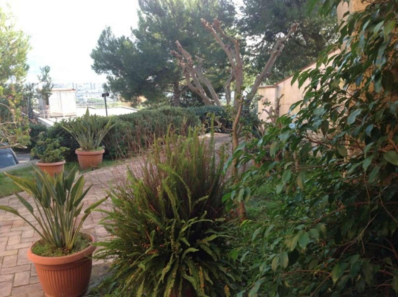Appartamento in affitto a Pozzuoli, 6 locali, prezzo € 2.000 | Cambio Casa.it