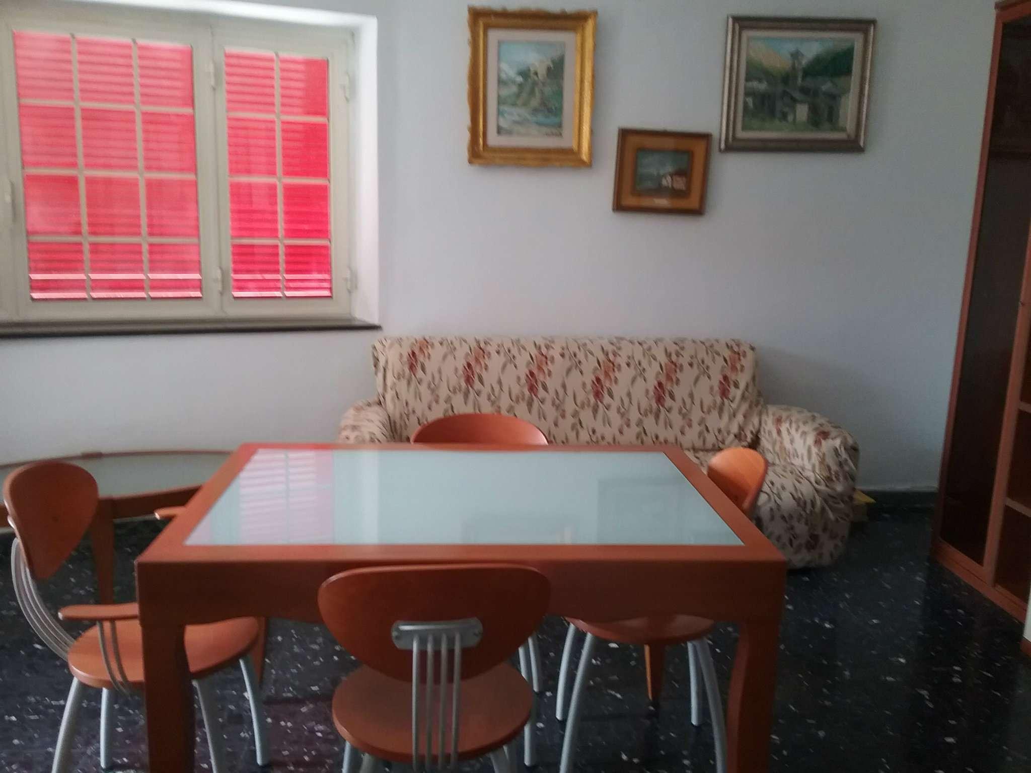 Appartamento in affitto a Pozzuoli, 2 locali, prezzo € 750 | CambioCasa.it