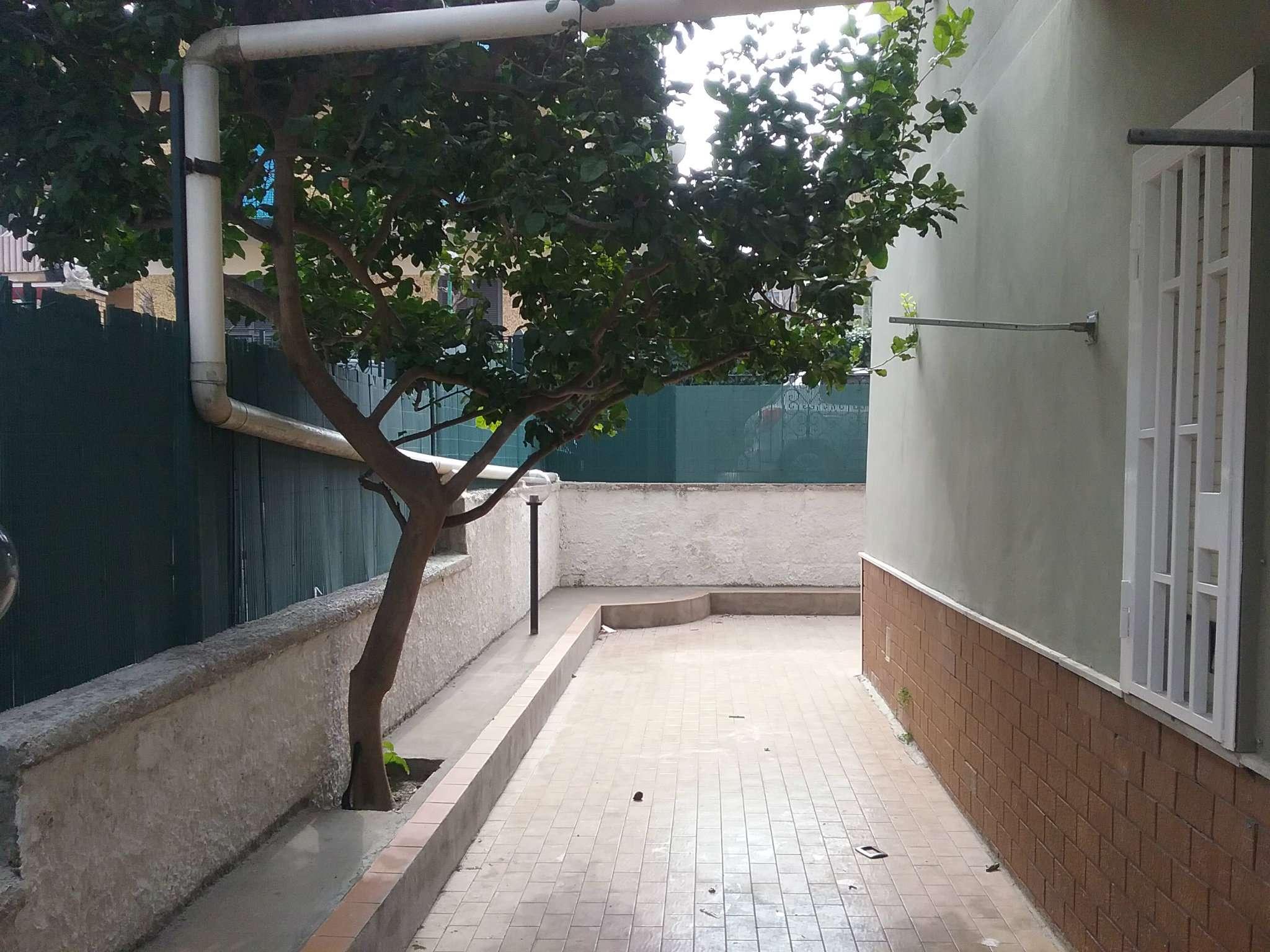 Appartamento in affitto a Pozzuoli, 3 locali, prezzo € 600 | CambioCasa.it