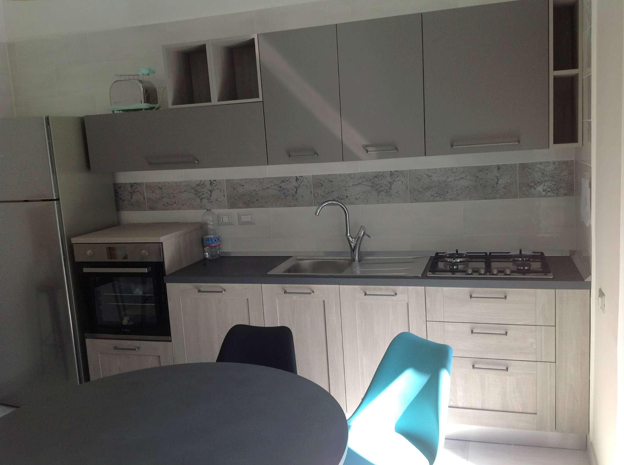 Appartamento in affitto a Pozzuoli, 2 locali, prezzo € 600 | CambioCasa.it