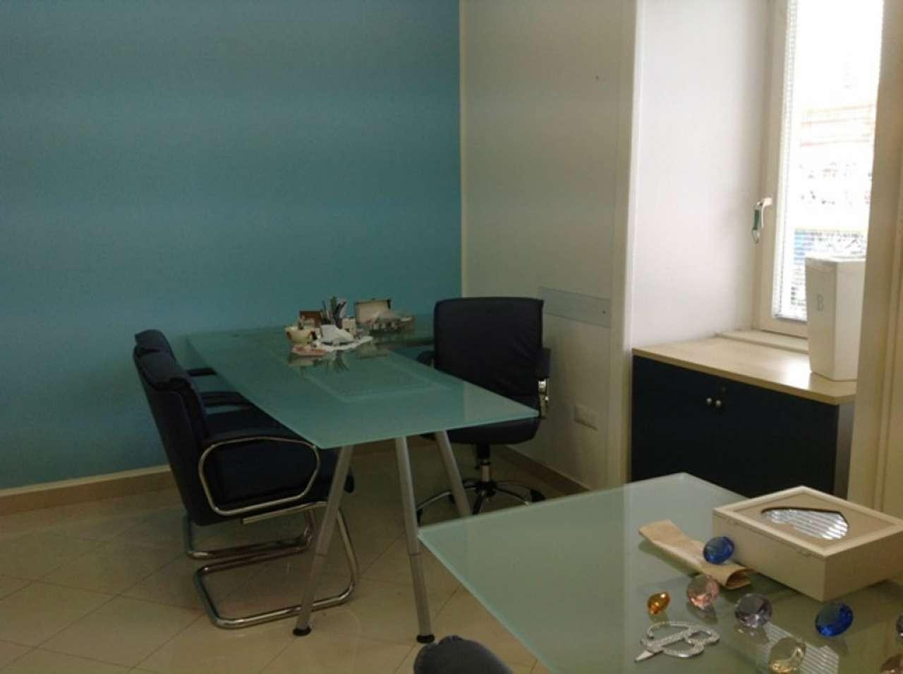 Ufficio / Studio in affitto a Pozzuoli, 3 locali, prezzo € 650   CambioCasa.it